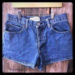 Size 4 Gap 100% cotton jean shorts